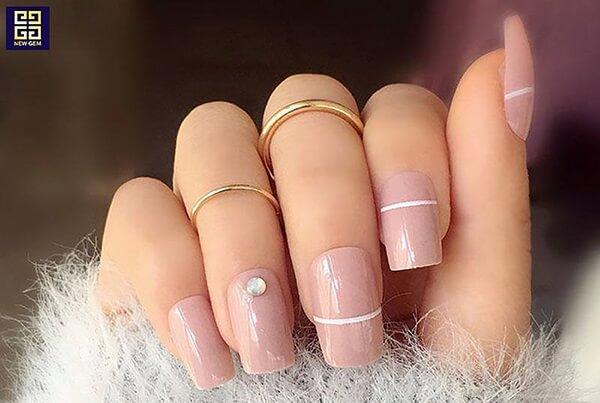 Thời gian học nghề nail mất bao lâu, học nail có quá phức tạp, có đòi hỏi khiếu thẩm mỹ, hoa tay hay không?