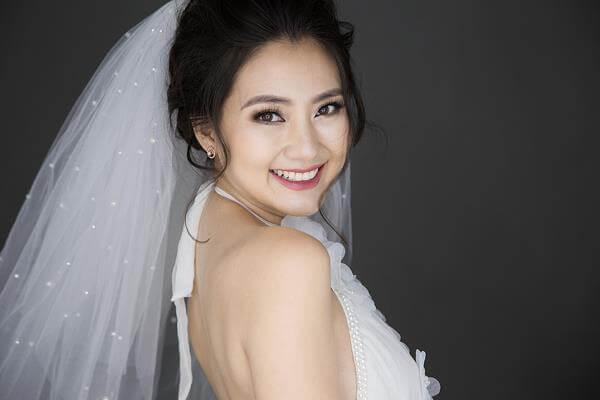 Học trang điểm cô dâu cần những gì, chuẩn bị những gì để kết quả tốt nhất?