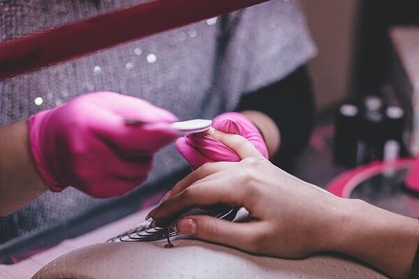 Học nail có khó không? Học nail mất bao lâu mới ra nghề?