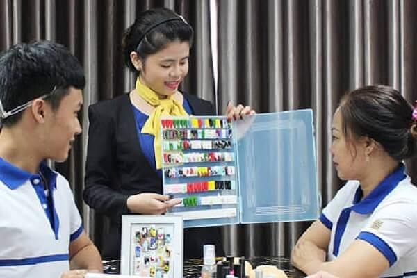 Học nail ở đâu tốt tại Tphcm – New Gem Học viện thẩm mỹ đào tạo nghề nail uy tín tại Tphcm