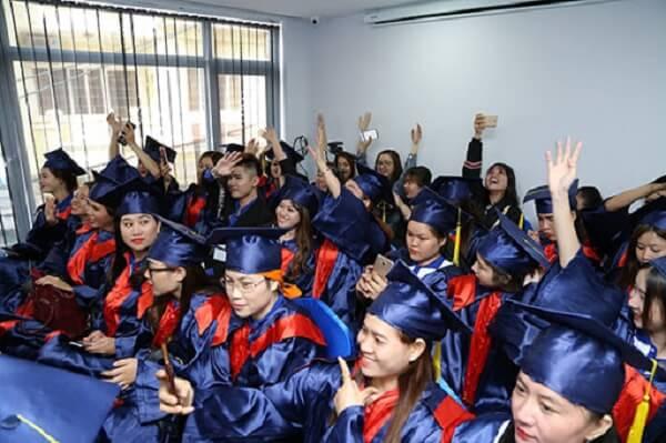 Khóa học nail chuyên sâu chất lượng hàng đầu tại Trung tâm đào tạo thẩm mỹ New Gem Tphcm