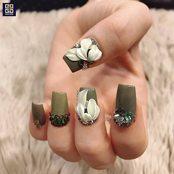 Vậy học nghề nail có khó không?