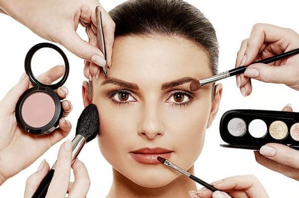Nghề make up là gì, makeup được chia làm mấy loại?