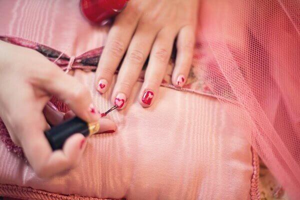 Mức thu nhập của thợ nail và chủ tiệm nail hiện nay như thế nào?