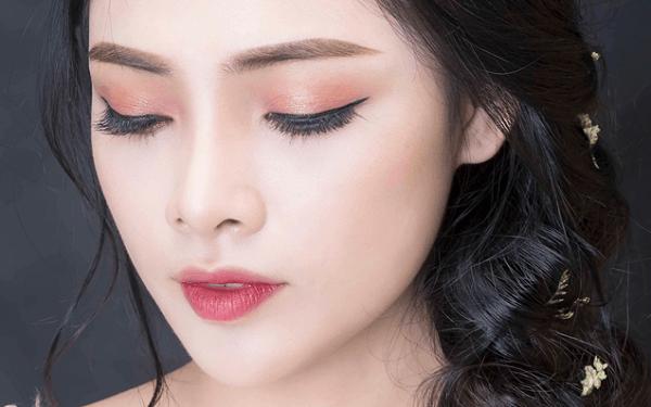 Khóa học trang điểm cô dâu có khó không, ưu điểm khi học makeup cô dâu tại New Gem là gì?