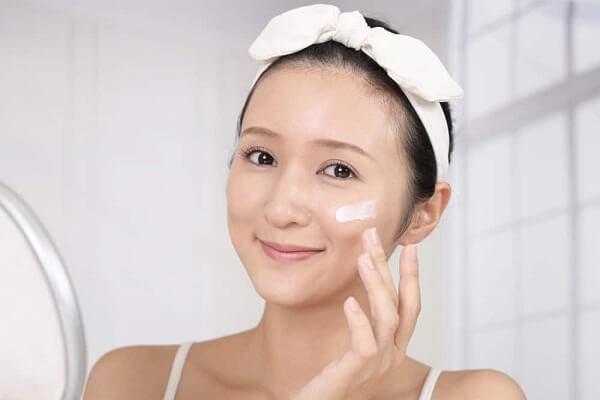 Các bước chăm sóc da dầu đơn giản tại nhà