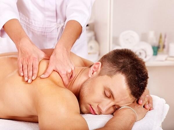 Học nghề massage mặt tại học viện thẩm mỹ New Gem – Uy tín chất lượng hàng đầu