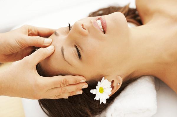 Học nghề massage mặt chuyên nghiệp tại Học viện thẩm mỹ New Gem