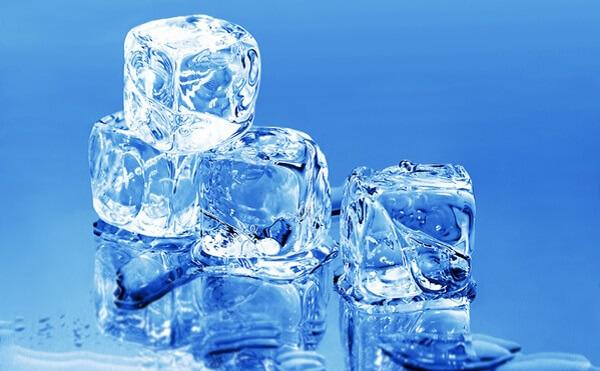 Cách se khít lỗ chân lông bằng đá lạnh tại nhà đơn giản mà hiệu quả