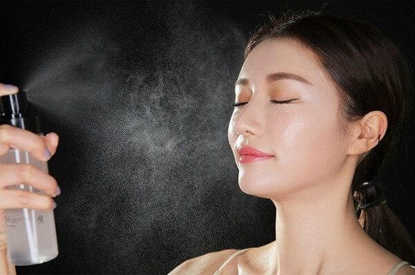 6 tác dụng của xịt khoáng đối với làn da và cách sử dụng xịt khoáng đúng cách