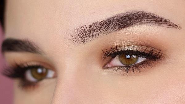 Cách trang điểm mắt nhẹ nhàng cho cô nàng đơn giản