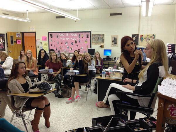 Học make up ở nước ngoài và những điều cần biết