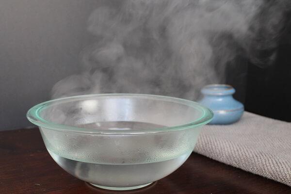 Cách làm sạch móng tay dạng gel tại nhà cực hiệu quả