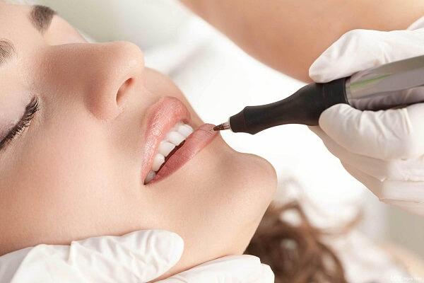 Có nên phun xăm môi không? Xu hướng phun xăm HOT