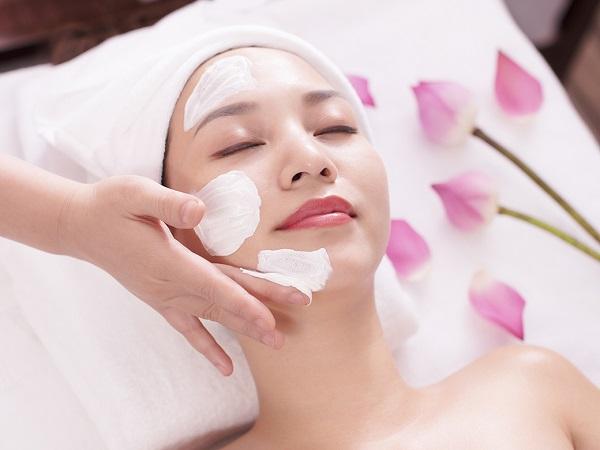 Đâu là cách duy trì làn da đẹp sau khi spa về