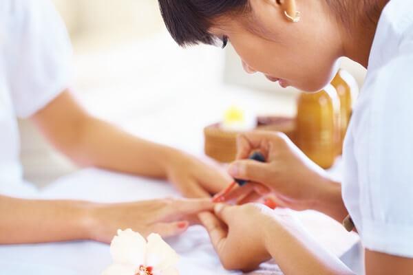 Làm nail ở Mỹ lương bao nhiêu? Khóa học làm nail tại Mỹ 1