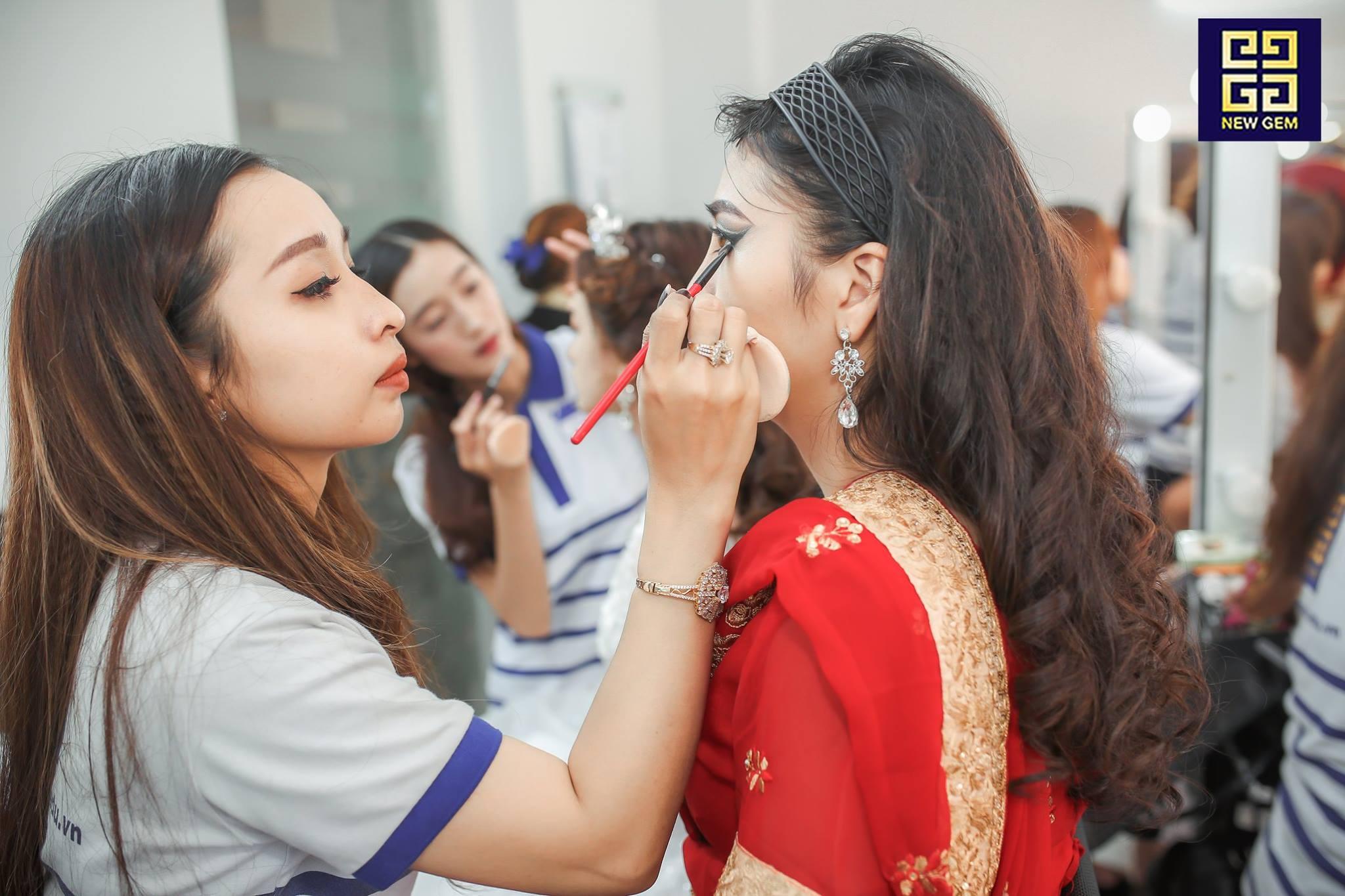 Đào Tạo Makeup 2 3