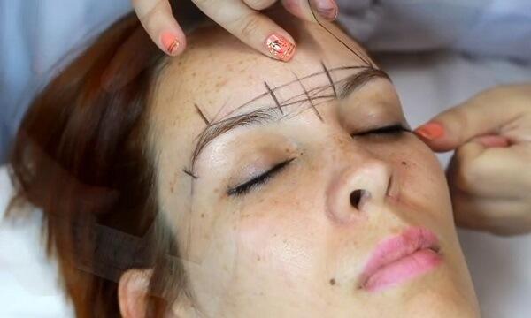 Phun xăm lông mày có ảnh hưởng gì không?