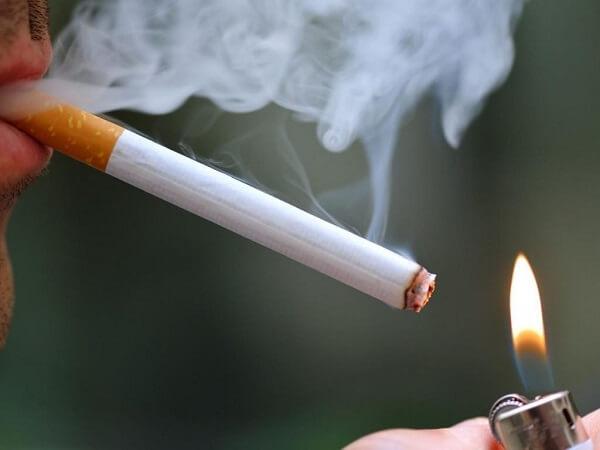 Phun xăm môi có được hút thuốc không? Thông tin chi tiết