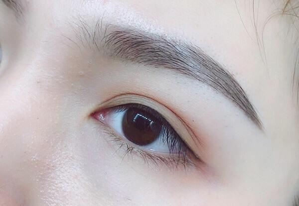 Xăm mí mắt có bị sưng không? Chuyên viên giải đáp