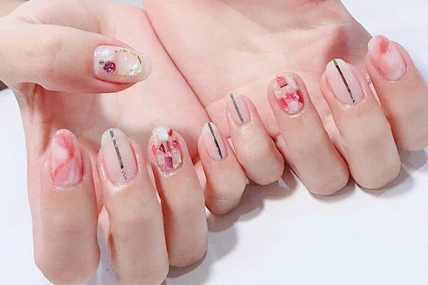 Cách làm nail xà cừ độc đáo hấp dẫn