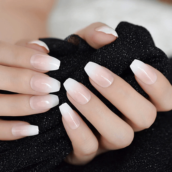 Học ngay cách vẽ nail đầu móng tay trắng xinh xắn