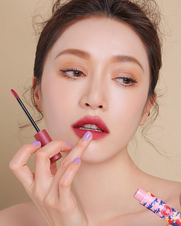 Học ngay các kiểu Makeup Artist sao Hàn cực hay