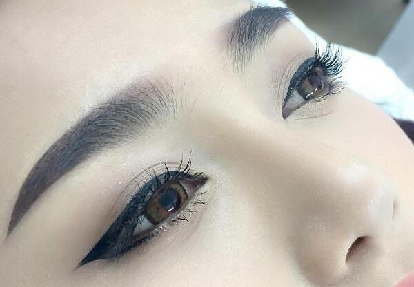 Phun xăm mí mắt có ưu điểm gì? Chuyên viên giải đáp