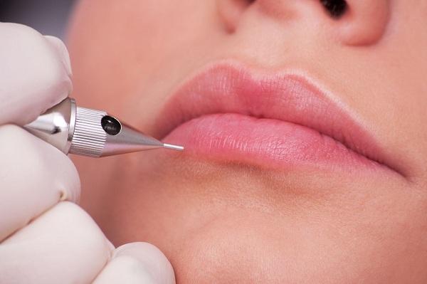 Phun xăm môi bao lâu thì lành và khỏi hẳn hoàn toàn?