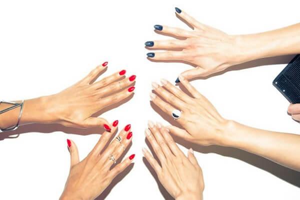 Cùng điểm qua các kiểu móng tay màu đỏ thời thượng