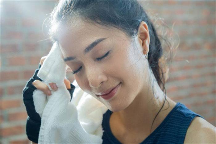 Những tác dụng bất ngờ của mồ hôi đối với da và sức khoẻ