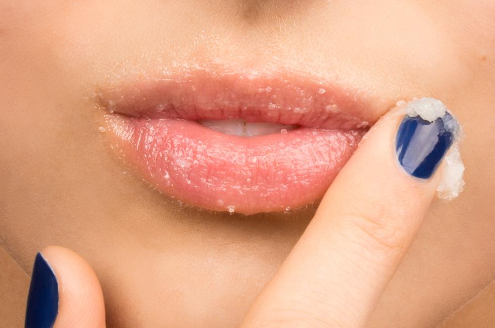 Những cách chăm sóc môi sau khi thực hiện phun xăm thẩm mỹ