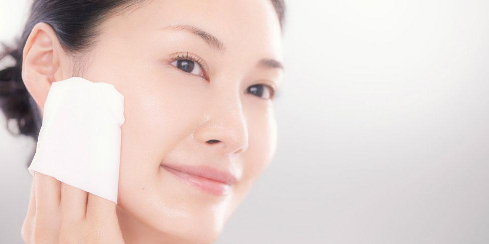 7 bước dưỡng trắng da ban ngày tối ưu của chị em Hàn Quốc