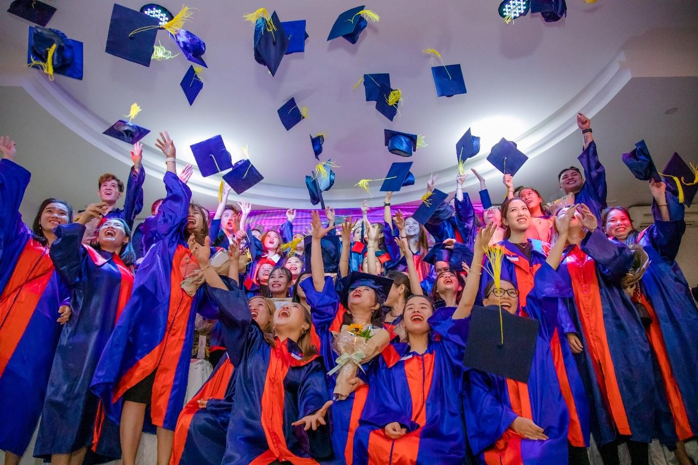 Lễ Tốt Nghiệp Học Viên Quý I/2020 - New Gem Education 1